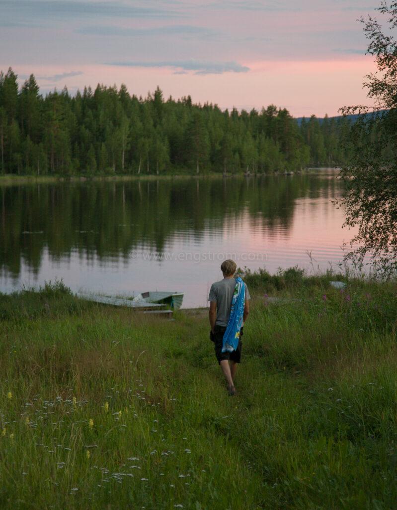 JE_65081, På väg till badet, Jonas Engström