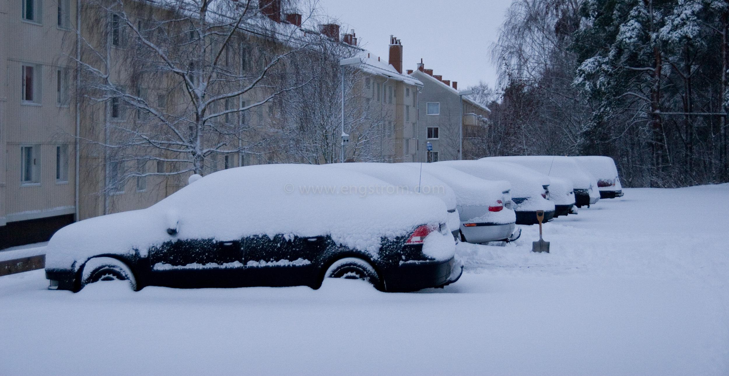 JE-0228, Översnöade bilar, Jonas Engström