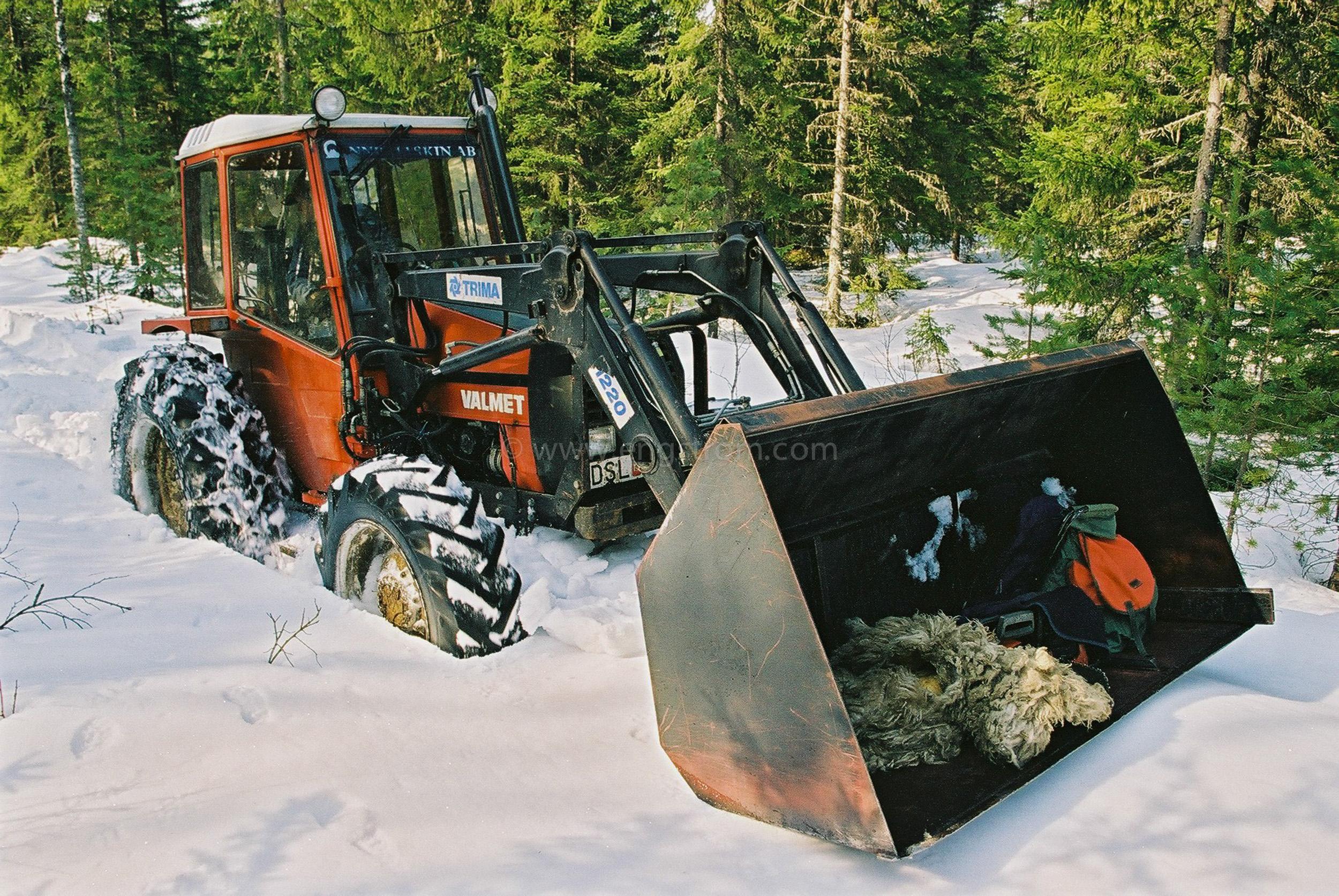 JE0200_26, På väg till skogen i djup snö. vår-vinter 2002, Jonas Engström