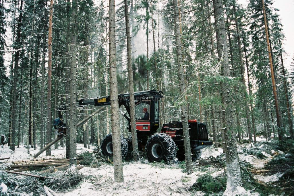 JE0400_030, Gallring med skördare Valmet 901, Jonas Engström