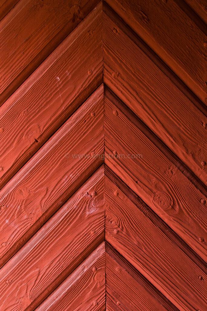 JE_16960, Rödmålad fönsterlucka, Jonas Engström