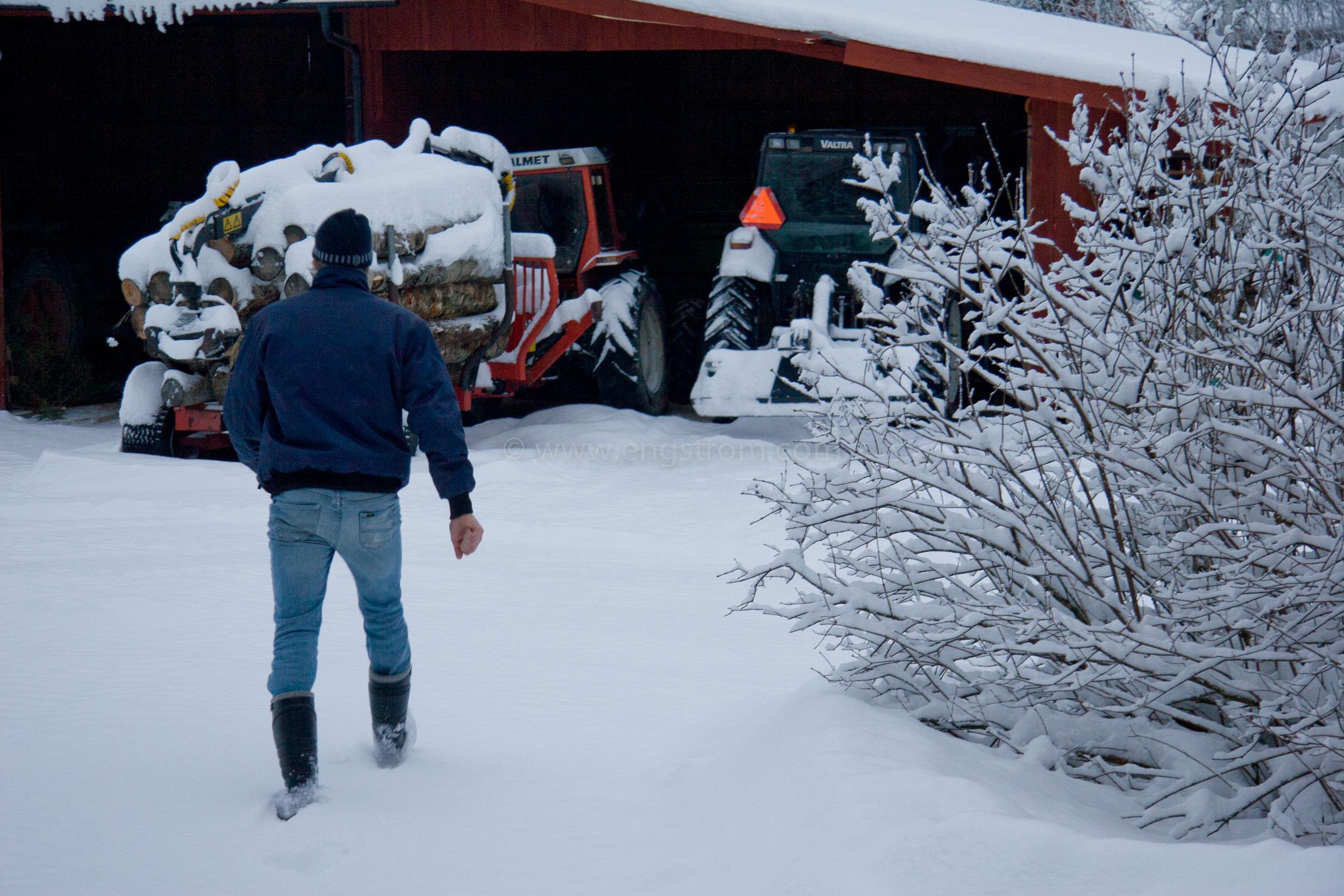 JE_8588, Snöplogning, snöröjning i skymning., Jonas Engström